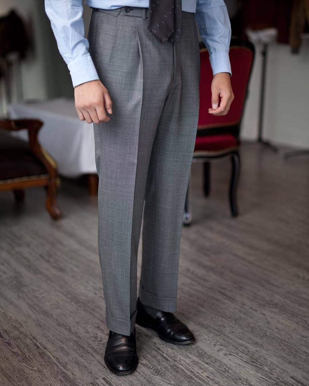 Voilà un pantalon qui pend. Source : Spalla Korea.