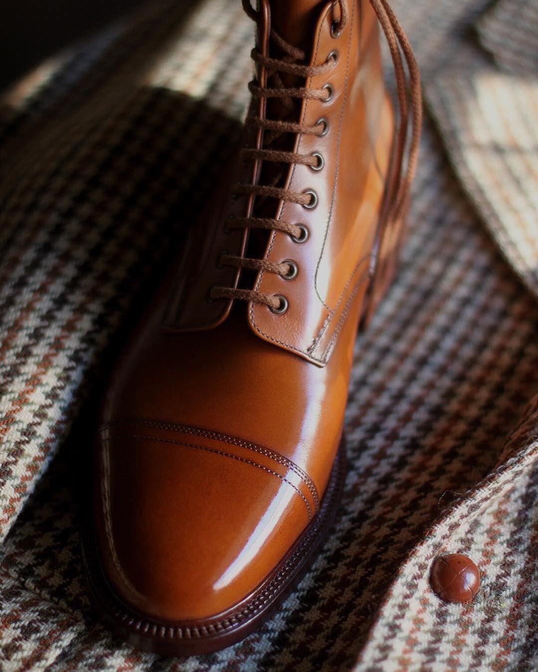 Le côté pratique de la derby boot la rend facile à porter l'hiver. Ce genre de bottines plaira notamment à ceux qui viennent du workwear.