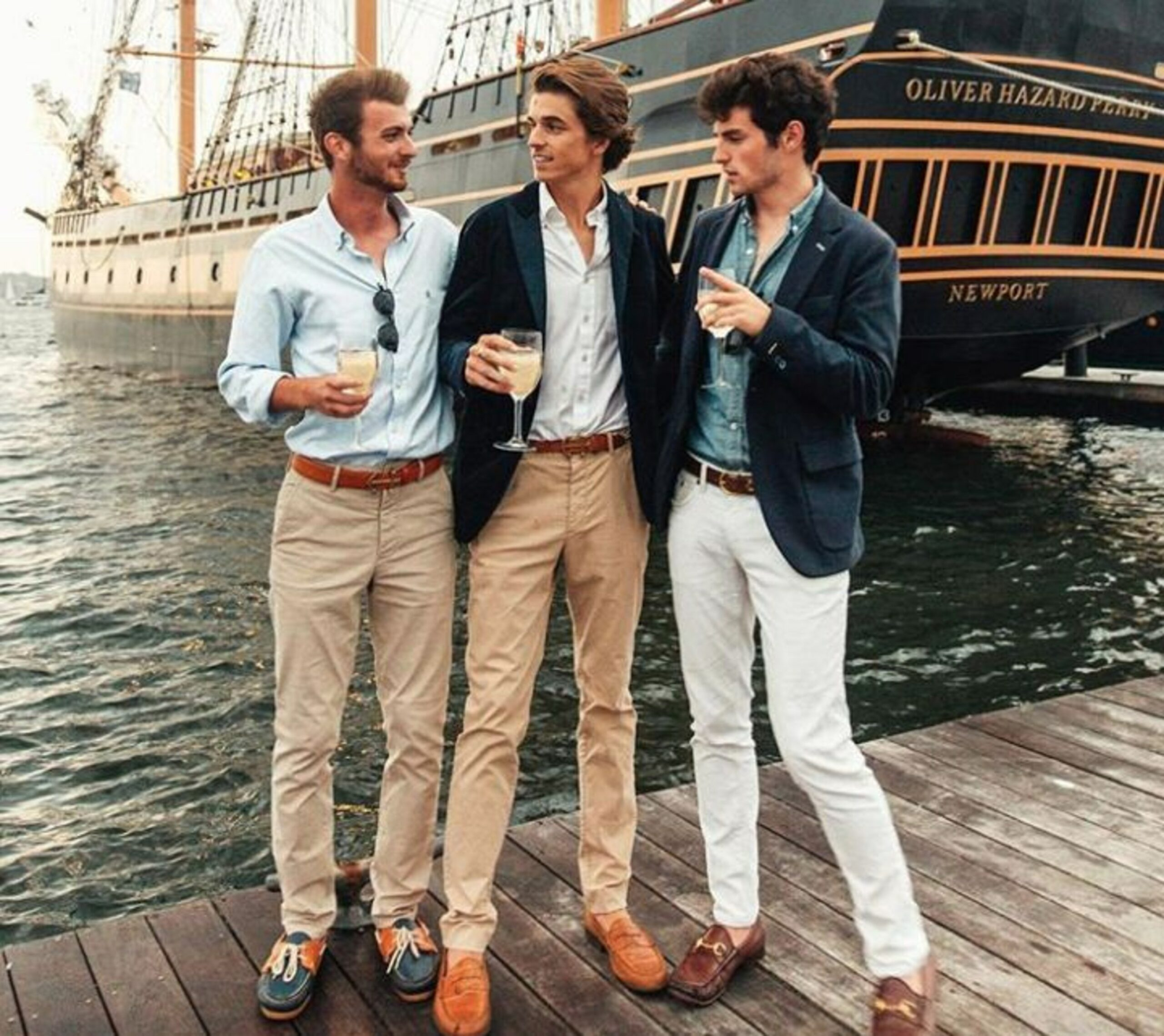 Ce que vous vous dites en voyant ce genre de tenues : « gosses de riches », « fils à papa », etc. Alors imaginez comme l'amalgame est vite fait chez ceux qui ne porteront une chemise qu'à l'occasion du troisième mariage de leur tante.