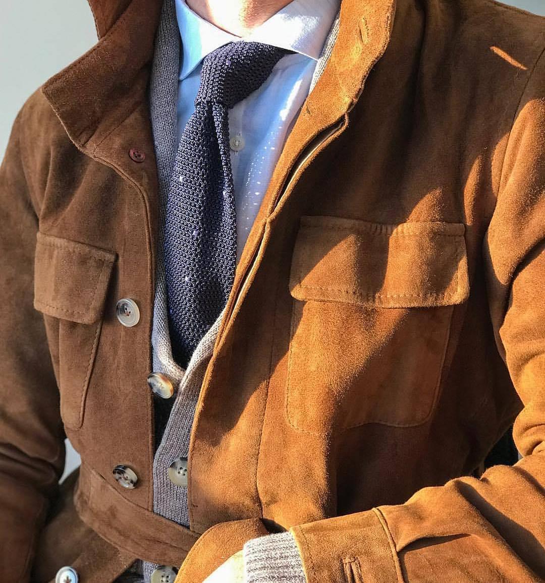 Profitez d'être le weekend en milieu neutre pour porter les tenues les plus sartoriales, vous « progresserez » plus rapidement.