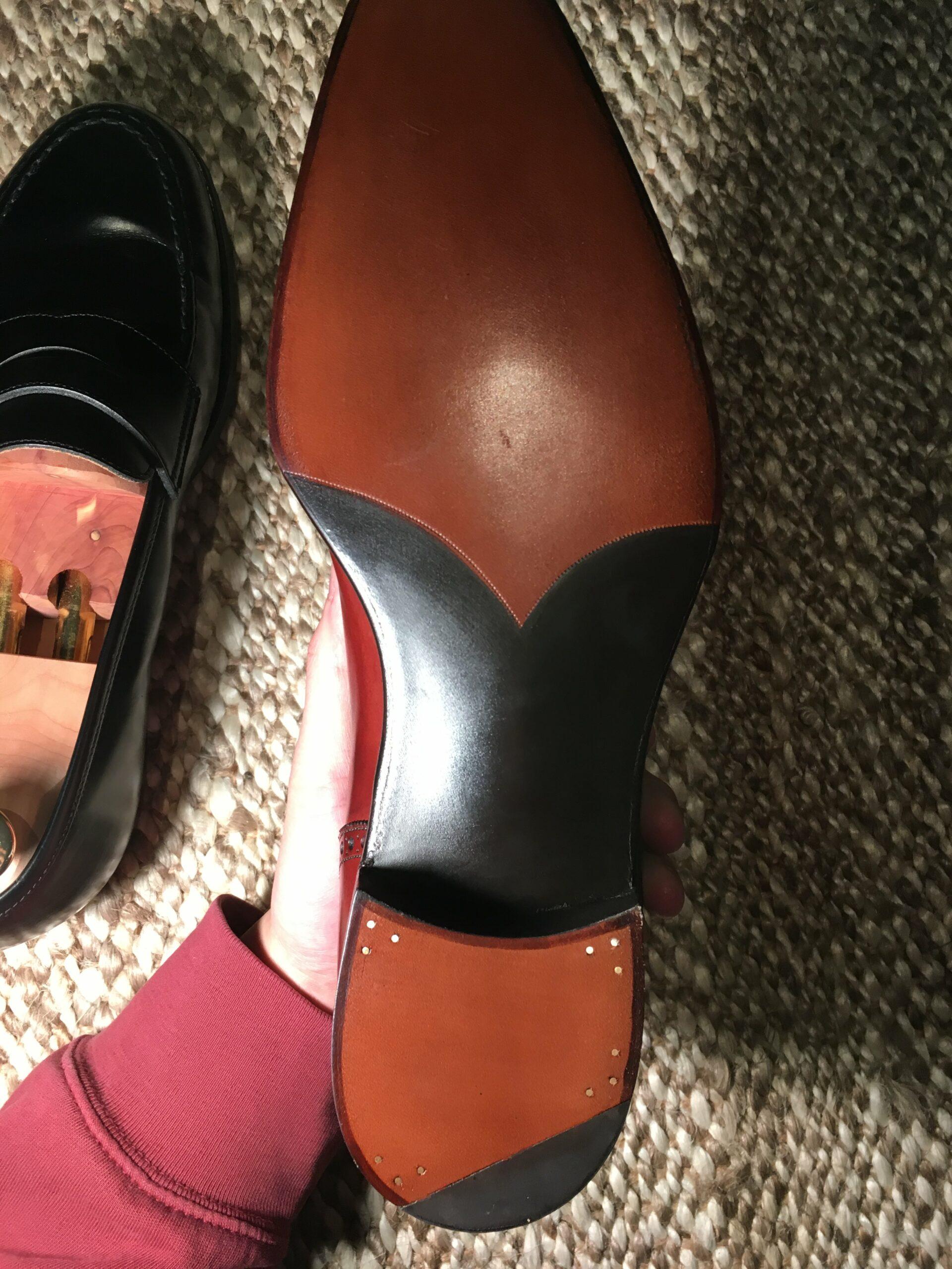 À titre de comparaison, ici une semelle sur une paire de G&G, tout est vrai, tout est beau et bien évidemment la couture est sous gravure. (Source : Reddit)