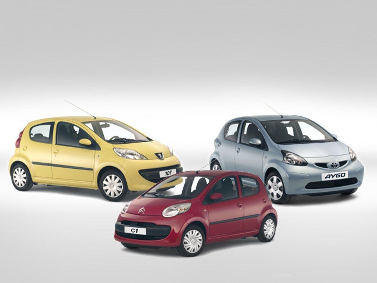 Le principe des private labels illustré en une image. Pour ceux qui l'ignorent ces 3 voitures ne sont en réalité qu'un seul et même modèle déguisé sous différents badges. (Source : Motor1)