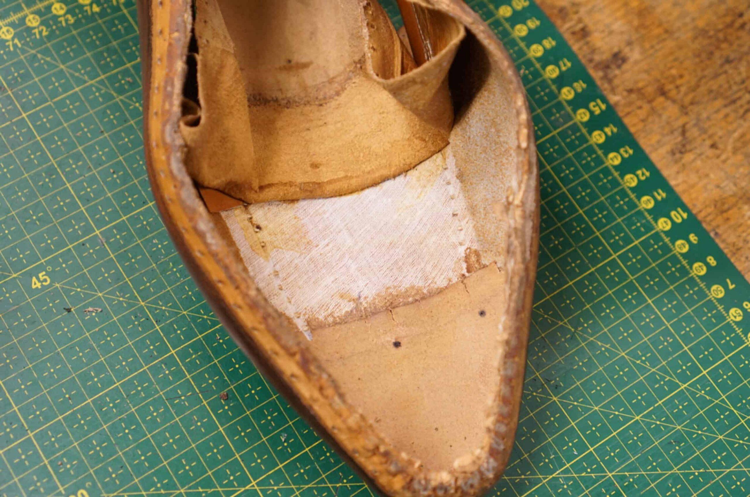 Un bout dur en cuir sur une paire de Paolo Scafora (Source : Shoegazing)