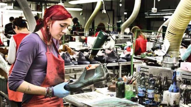 Une usine. En l'occurence celle de Santoni. Sans surprise, l'environnement n'est pas le même. (Source :corriere)