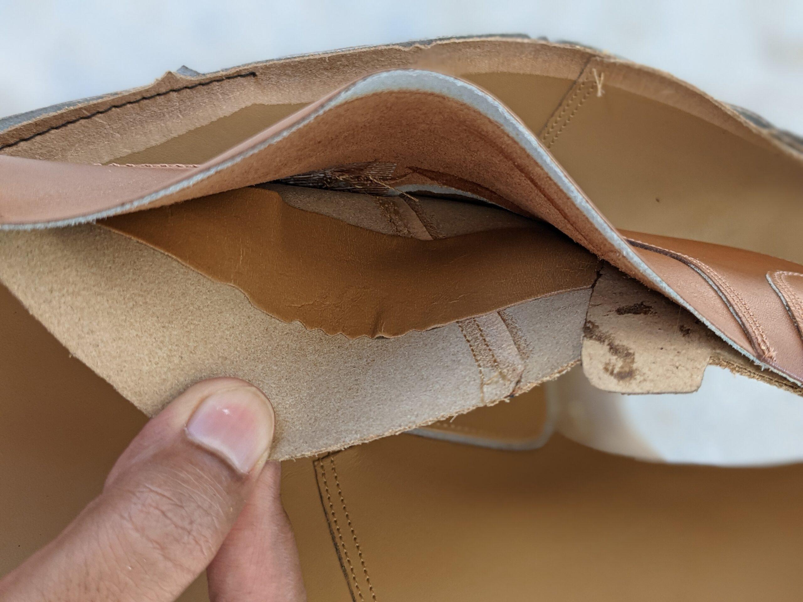 Les ailettes de renfort en cuir, il s'agit d'un modèle différent du mien mais tous en sont pourvus. (Source: Bridlen)