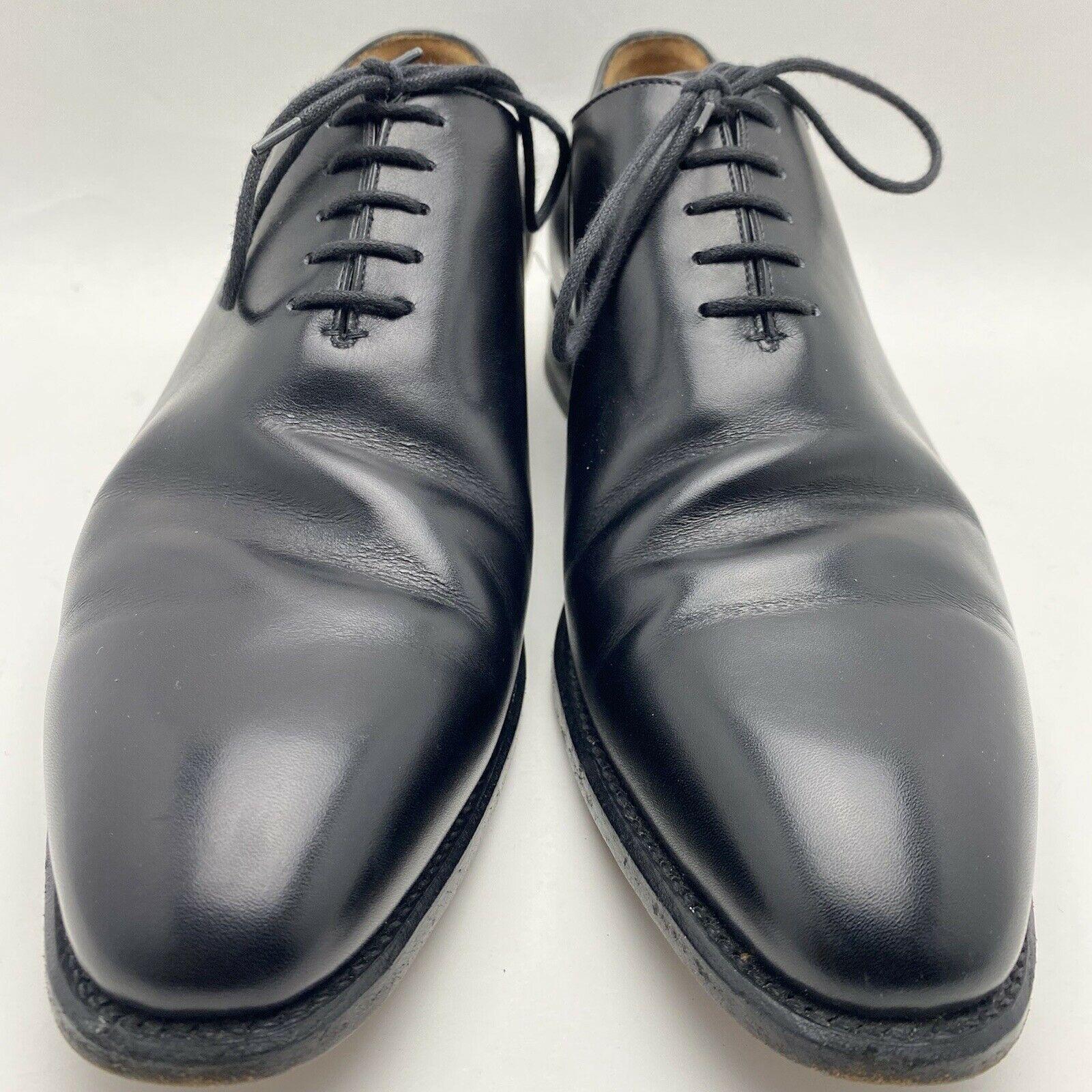 Un exemple criant d'inadéquation entre la forme de la chaussure et le pied du porteur. Ces plis d'aisances extrêmement marqués peuvent être atténués. Le reste de la chaussure est presque neuf comme en témoigne la semelle de propreté (même si elle n'est pas présentée ici, la semelle d'usure est également pratiquement neuve). (Source: Ebay)