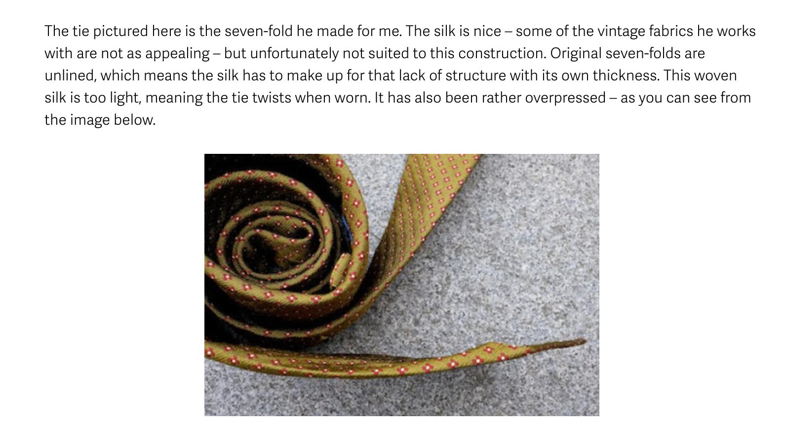 Simone qui se plaint d'avoir récupéré une cravate au tissu non adapté.... par sa faute. (Source: Permanentstyle)